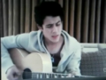 "NEW SONG!!! ""London (Foolishly)"" - Nick Jonas (Live Chat in London 6.17.10)"