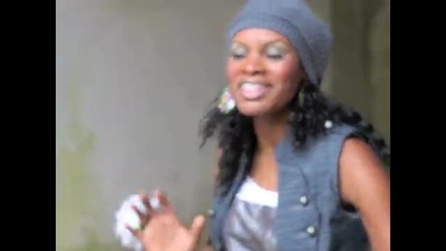 Nicole C Mullen sings during a photo shoot