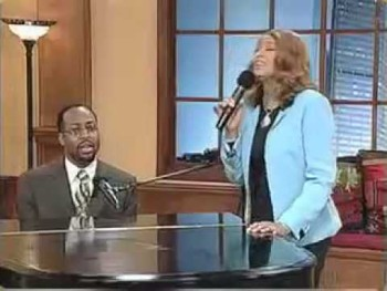 """Dorinda Clark Cole and cousin, Bill Moss Jr. sing """"I Can Do All Things..."""""""