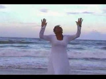 """Stacy Johnson Performs """"I Understand"""" by Smokie Norful"""
