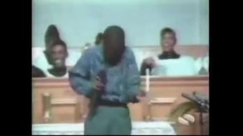 Little Boy Singing... Gospel?