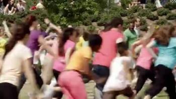 Flash Mob Celebrating Jesus! 2000 Christians!