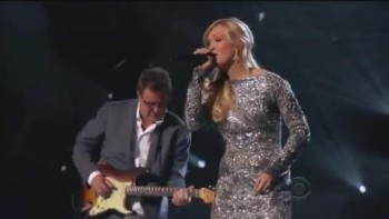 Carrie Underwood with Vince Gill (How Great thou Art) - Standing Ovation! (CMT Artist of the Year)