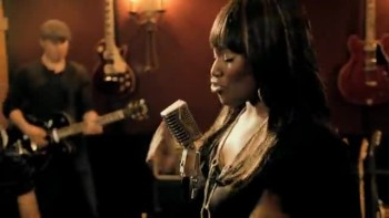 Mandisa - Stronger [Live in Studio]