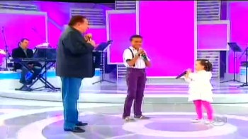 Jotta A, Amazing Brazilian Child Singer Duet!
