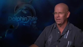 DOLPHIN TALE - Charles Martin Smith interview