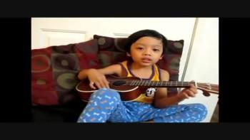 "Four Year Old Plays Ukelele & Sings ""Amazing Grace"""