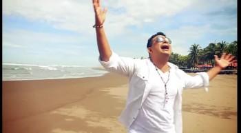 Alto Mando Es El Señor - Quiero Adorarte Señor (Video Oficial)