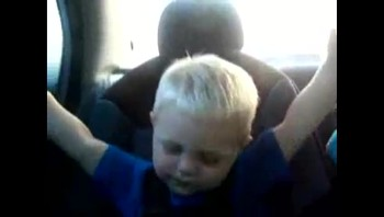 Baby Praises The Lord in The Car - Adorable!