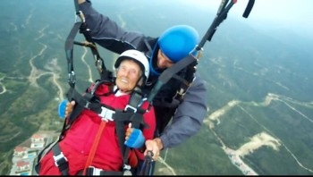 Now THIS is Living!  104 Year-old Woman Paraglides Tandem