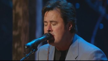 Vince Gill - Go Rest High on That Mountain (Live)