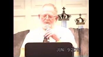 Bobby Curlee singing at Scottssing 2012