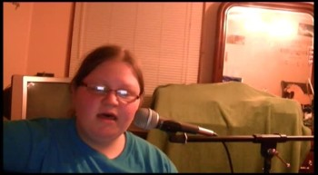 """Makayla Fulmer singing a cover of """"Here i am to worship"""""""