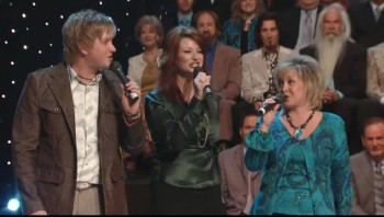 Squire Parsons, Charlotte Ritchie, Sheri Easter and Devon McGlamery - Living By Faith [Live]
