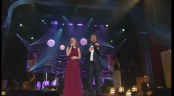 David Phelps and Maggie Beth Phelps - Agnus Dei [Live]