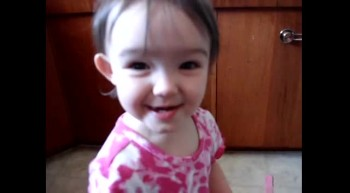 Toddler Has an Adorably Unique Way of Saying Banana