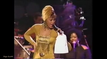 Whitney Houston in a Breathtaking Performance of Amazing Grace