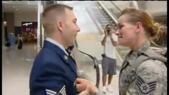 Soldier Returning from Afghanistan gets a Life-Changing Surprise at the Airport