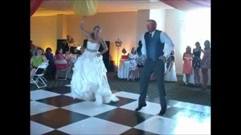 Father and Bride Delight Guests With a FUNNY Dance