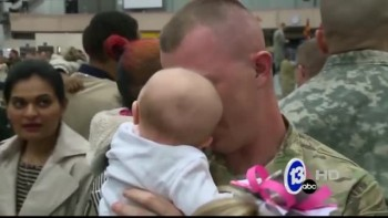 Soldier Dad Meets Baby For the First Time
