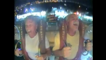 Older Couple Has a Blast on a Amusement Park Ride - FUNNY REACTION