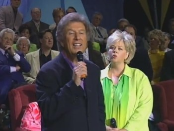 Bill Gaither and Tanya Goodman Sykes - Going Home