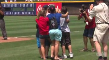 Soldier Surprises His Whole Family at a Baseball Game