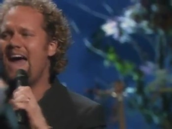 Bill & Gloria Gaither - No More Night (feat. David Phelps) [Live]