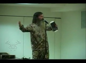 Duck Dynasty Star Phil Robertson Preaches a POWERFUL Sermon - Perfect For Easter!