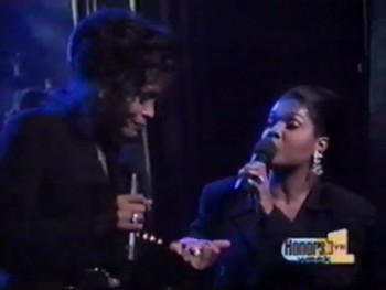 Whitney Houston & Cece Winans Perform Bridge Over Troubled Water