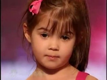 ADORABLE 4 Year-Old Melts Hearts with Performance of Somewhere Out There