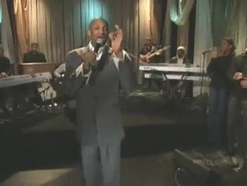 Donnie McClurkin Gives Anointed Performance of I Call You Faithful