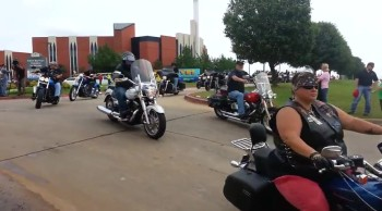 Christian Bikers Protect 9 Year-Old Tornado Victim's Funeral From Westboro Protesters
