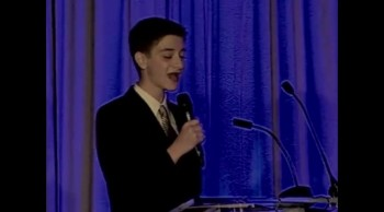 13 Year-Old Rewrites and Performs Hallelujah for Mom With Cancer