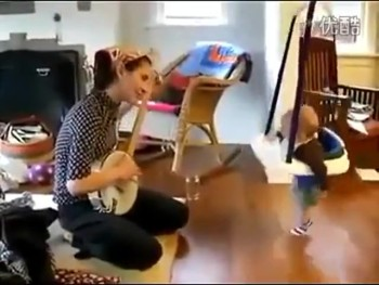 This Baby Loves Banjo Music So Much, He Can't Resist Dancing
