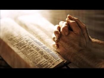"Thomas S. Monson: ""We learn to pray by praying."" (The Prayer Motivator Minute #496)"