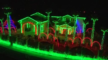 This is the Most Incredible Christmas Light Display I Have Ever Seen - Wow!