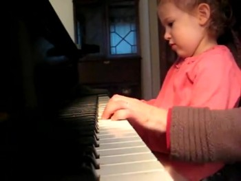 Stunning!! almost 4yr old Elora's Beautiful, Musically Moving Improvisation on 'Twinkle, Twinkle'