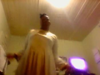 ME PRAISE DANCING TO TAKE ME TO THE KING