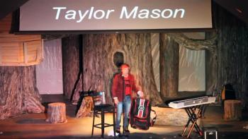 Taylor Mason Joking with TSA