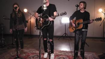 'Glorious Day' - Acoustic Rendition From Passion And Kristian Stanfill