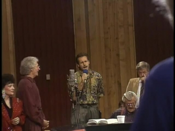 Bill & Gloria Gaither - The Blood Will Never Lose Its Power