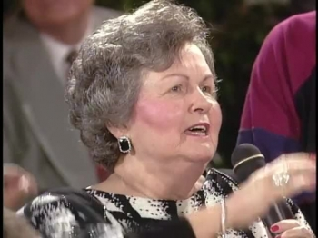 Bill & Gloria Gaither - Mansion Over The Hilltop