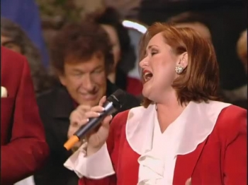Bill & Gloria Gaither - I Am (feat. The Hoppers) [Live]