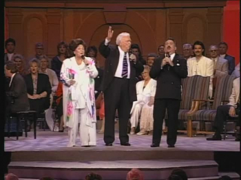 Bill & Gloria Gaither - I Hold A Clear Title To A Mansion