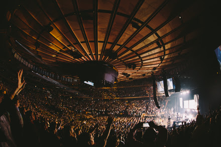 Grammy Winner Chris Tomlin 39 S Worship Night In America Sells Out Nyc 39 S Madison Square Garden