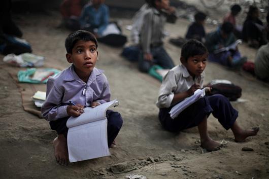 Needy Children Get Free Schooling Under a Bridge in India ...