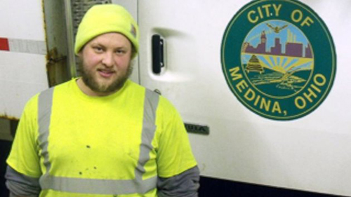 Sanitation Worker Returns Gift to Owner