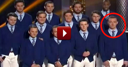 It Started as an Awesome A Cappella Performance - and Ended as a Proposal