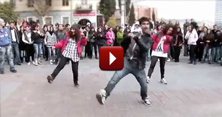 Young People Spread the Word of God by Dancing - Love it
